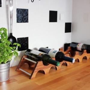 Piramide - modułowy stojak na wino.