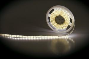 Oświetlenie LED dominuje w meblach