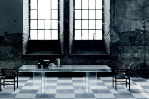 """Stół """"Verglas"""" cały ze szkła"""