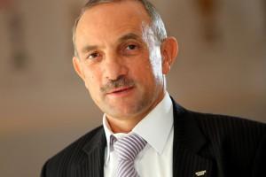 """Jan Szynaka: """"Z optymizmem, ale ostrożnie"""""""