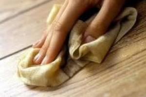 Drewniane meble olejowane jak nowe – pielęgnacja i renowacja