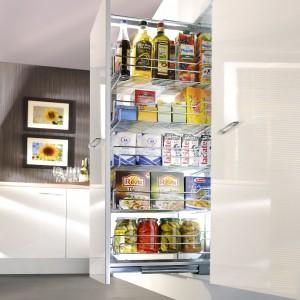 W systemie carg wysokich firmy Nomet można dowolnie rozmieszczać półki na różnych wysokościach. Wysokość carg wynosi od 1.200 do 2.110 mm, a szerokość od 300 do 600 mm. Fot. Nomet