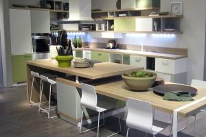 """Kuchnie """"open space"""" - modne dekory"""