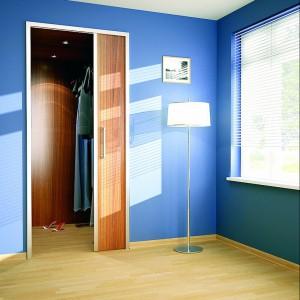 Garderoba to nie tylko dobudowana szafa, może nią być także osobne pomieszczenie. Fot. Archiwum