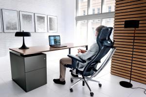 Na czym usiąść za biurkiem - 35 krzeseł i foteli biurowych