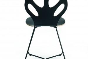 """Festiwal w Brukseli z krzesłem """"Maple"""" w tle"""