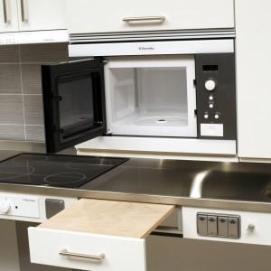 DIAGO 504, Jej zaletą jest zamontowanie płyty wyciąganej na ławce, tak aby łatwo można ustawić naczynia.   Fot. Granberg Germany GmbH