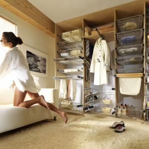 Akcesoria do organizacji dają gwarancję precyzyjnego dostosowania wyposażenia garderoby do indywidualnych potrzeb. Na zdjęciu systemy organizacji marki Nomet. Fot. Nomet