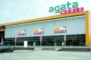 Kolejne inwestycje i zyski salonów Agaty