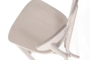 """Kolekcja krzeseł """"1315"""" - jak liście miłorzębu"""
