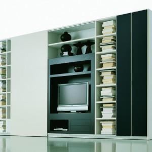 Regał TV w minimalistycznej odsłonie. Fot. Archiwum