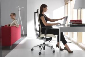Fotel do komputera. Zobacz na czym wygodnie usiąść za biurkiem