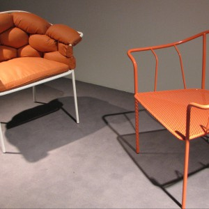 Nietypowe, ale funkcjonalne projekty foteli. Fot. Urszula Koronczewska