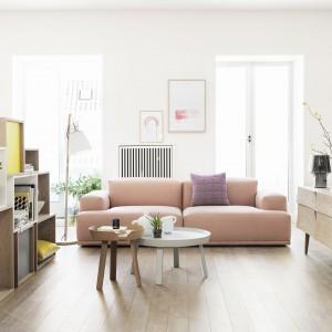Aranżacja salonu przy użyciu mebli Muuto o nowoczesnym skandynawskim wyglądzie. Fot. Muuto.