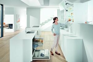 Przechowywanie w kuchni. Pomysły na szafki górne