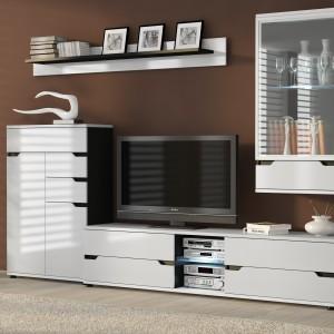 Kolekcja Bianko marki FM Bravo zapewnia wiele miejsca do przechowywania i przewiduje miejsce na telewizor. Fot. FM Bravo