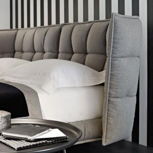 Łóżko Husk o tapicerowanym,