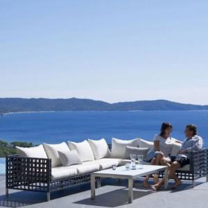 Sofa ogrodowa firmy Cane Line. Fot. Cane Line