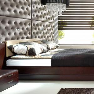Oświetlenie w wezgłowiu łóżka