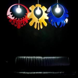 Lampy w stylu folkowym urozmaicą np. nowoczesne wnętrza. fot. Archiwum.