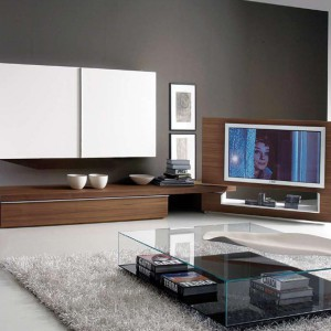 Meblościanka z mobilną częścią telewizyjną to rozwiązanie doskonałe jeśli lubimy oglądać telewizję w różnych miejscach w salonie. Fot. 3F Studio