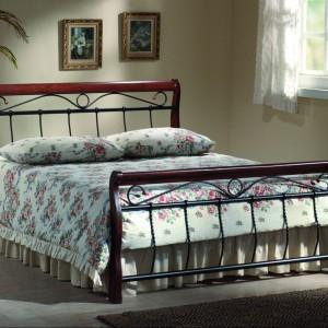 Łóżko Venecja marki Signal. Bardzo stylowe i eleganckie łóżko drewniane do sypialni. Fot. Signal