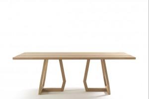 "Stół ""Pan Collection"" o nogach w formie trapezu"