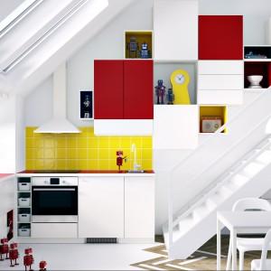 Wnętrze na poddaszu można zaaranżować w ciekawy sposób. Fot. IKEA