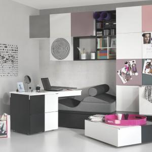 Biurko na kółkach z kolekcji Young Users do pokoju dziewczynki. Fot. Vox