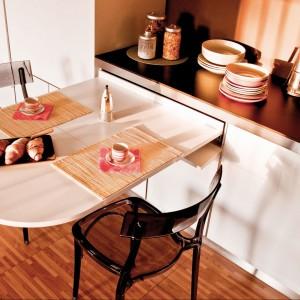 Wysuwany stół