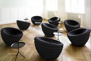 Nietypowe krzesła i fotele - te propozycje wyróżnią twój salon