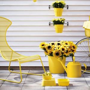 Fotel z kolekcji IKEA PS. Żółty kolor dodatkowo ożywi pomieszczenie. Fot. IKEA