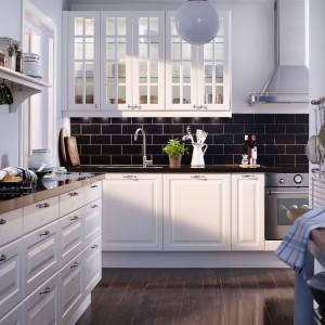 Biała, klasyczna kuchnia IKEA Fot. IKEA