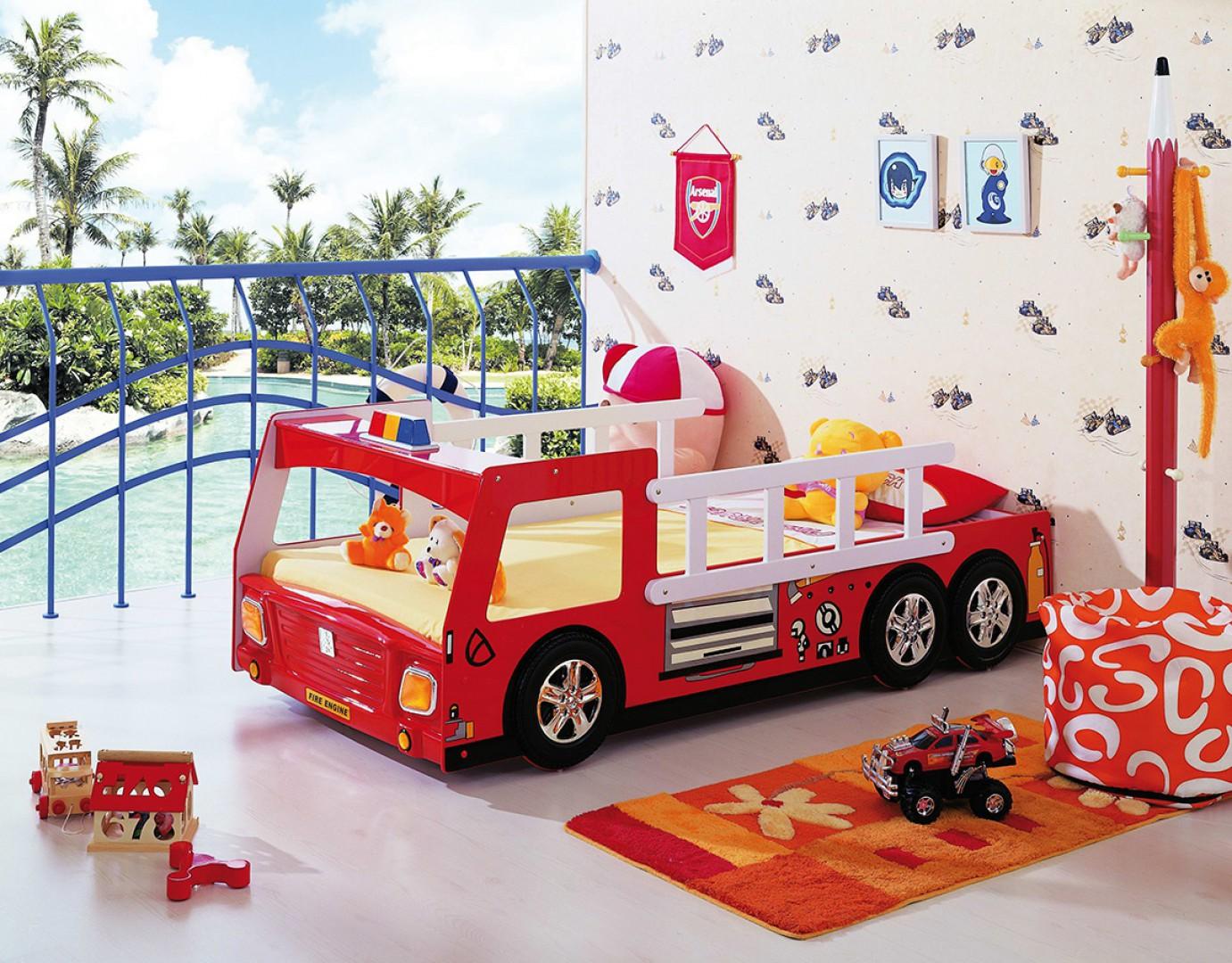 """""""Franek"""", łóżko dla dzieci w kształcie wozu strażackiego. Propozycja do pokoju dziecięcego od firmy Plastiko. Fot. Plastiko"""