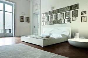 Biała sypialnia - postaw na elegancję i klimat relaksu!