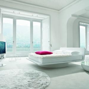 Łóżko Giotto Vision marki Bonaldo. Fot. Bonaldo.