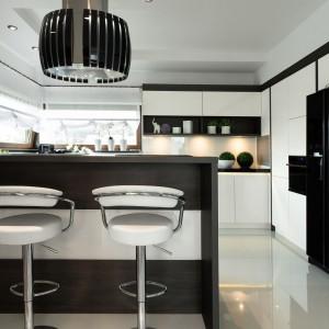 Urzadzamy Czarno Biala Kuchnia 20 Pomyslow Na Modne Wnetrze
