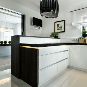 Urządzamy Czarno Biała Kuchnia 20 Pomysłów Na Modne Wnętrze