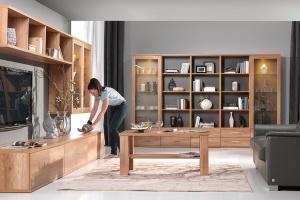 Modny salon. Oryginalne meble z otwartymi półkami