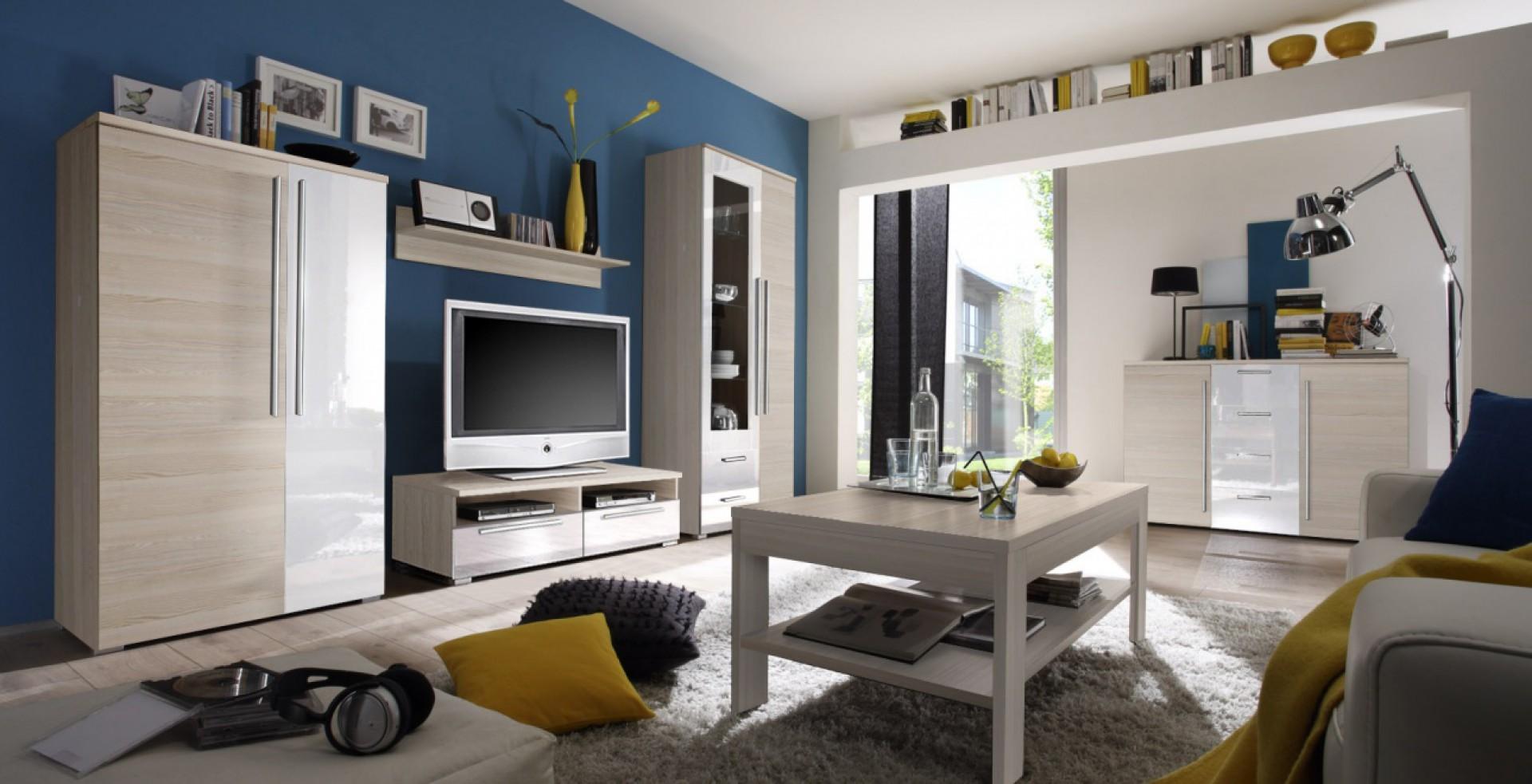 """Drewno i biel to połączenie, które modelowo wpisuje się w obowiązujące trendy wyposażenia wnętrz. Na zdjęciu kolekcja """"Obelix"""" Fot. Helvetia Wieruszów"""