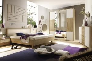 Naturalna sypialnia. Biel ocieplona drewnem
