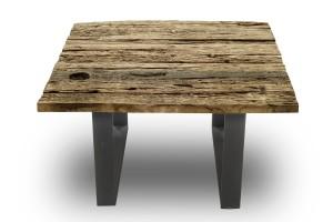 Nowe stare meble z drewna sprzed stu lat