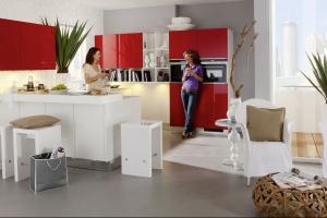Kuchnia z elementami czerwieni - stwórz energetyczne wnętrze!