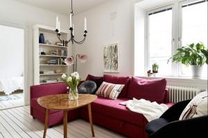5 pomysłów na różową sofę