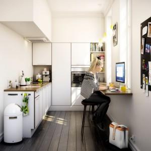 Małe kuchnie z jadalnią lubią biały kolor. Optycznie powiększa on pomieszczenia. Fot. HTH