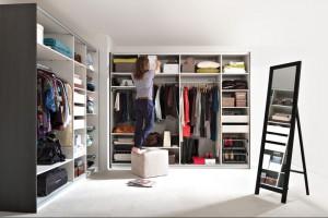 Jak przechowywać odzież? Znajdź najwygodniejszą szafę