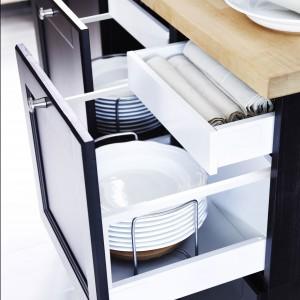 System szafek Metod pozwala na umieszczenie kilku szuflad pod jednym frontem. Fot. IKEA