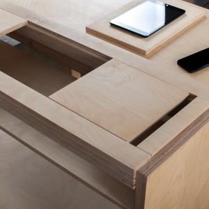 Kompaktowe biurko zaprojektowane przez studio Bee9. Fot. Bee9
