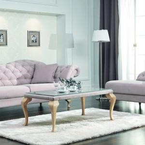 Sofa Paris to model rodem z francuskiego dworku, doskonała do aranżacji stylowego salonu w klimacie glamour. Fot. New Ellegance