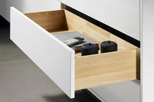 Drewniane wnętrza szuflad – nowości marki Hettich